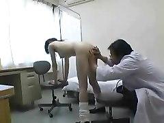 porno-u-vracha-aziatka